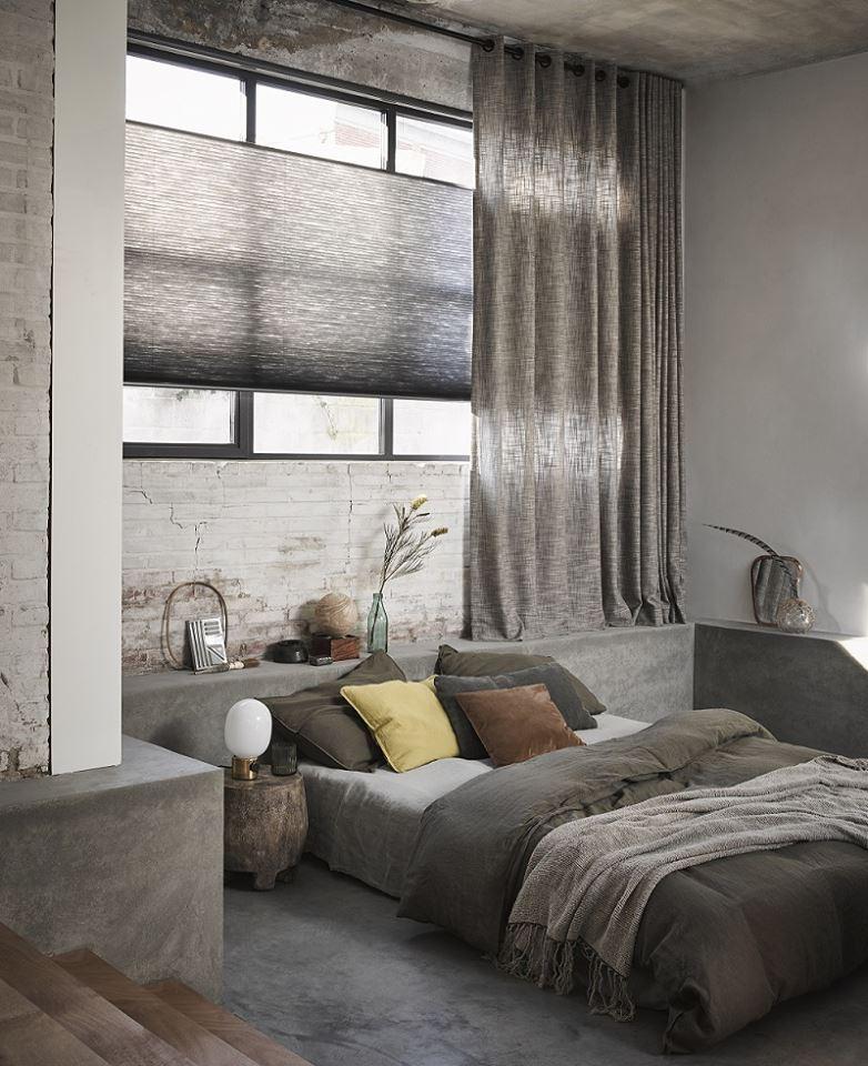 Raamdecoratie van Toppoint: duettes in de slaapkamer