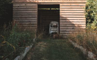 Je tuinhuisje verven of beitsen: hoe doe je dat?